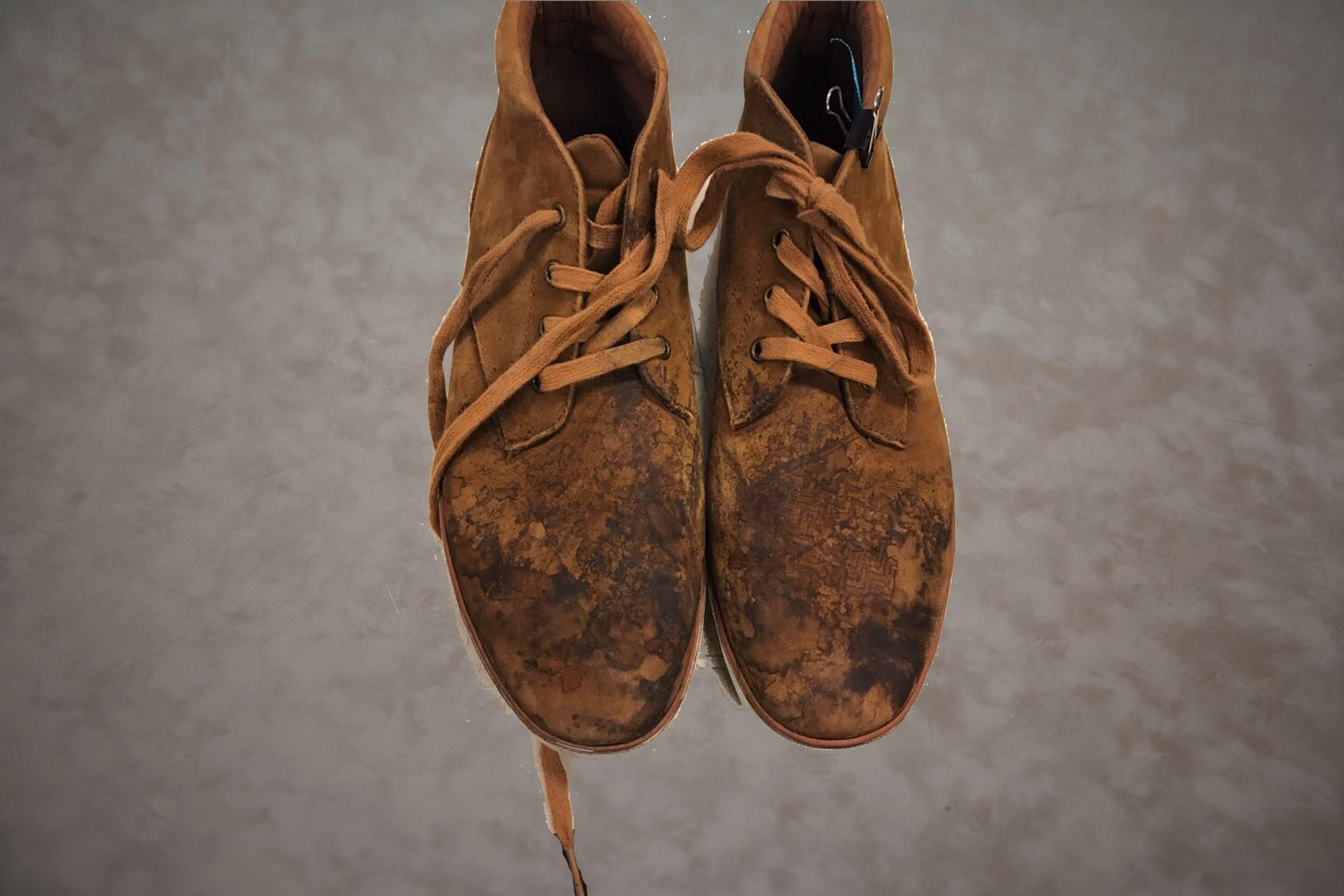 Voorbeeld schoenen schoonmaken voor behandeling